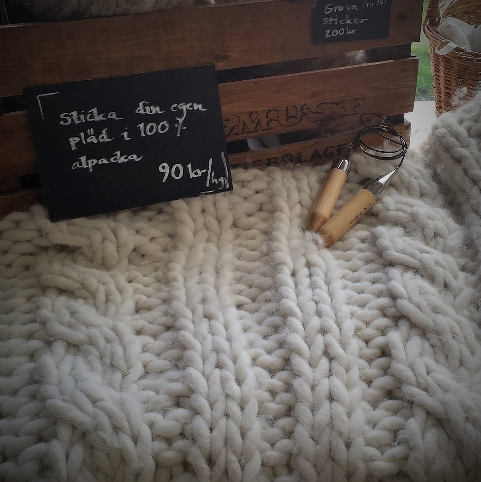 Tjock stickad pläd, chunky knits, alpackagarn, garbutik