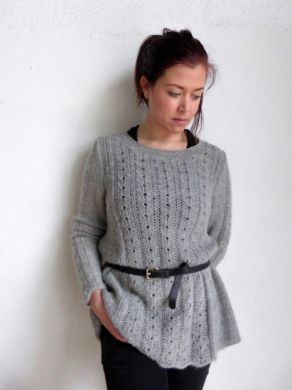 Grace a-linjeformad tröja i Road to China Light, stickkit