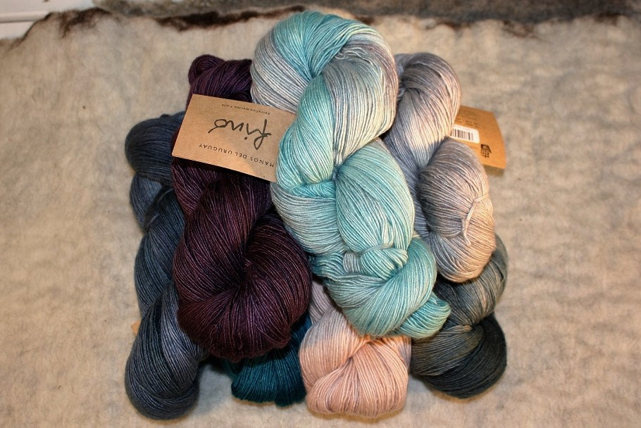 Fino (70% merino, 30% silke) Manos del Uruguay