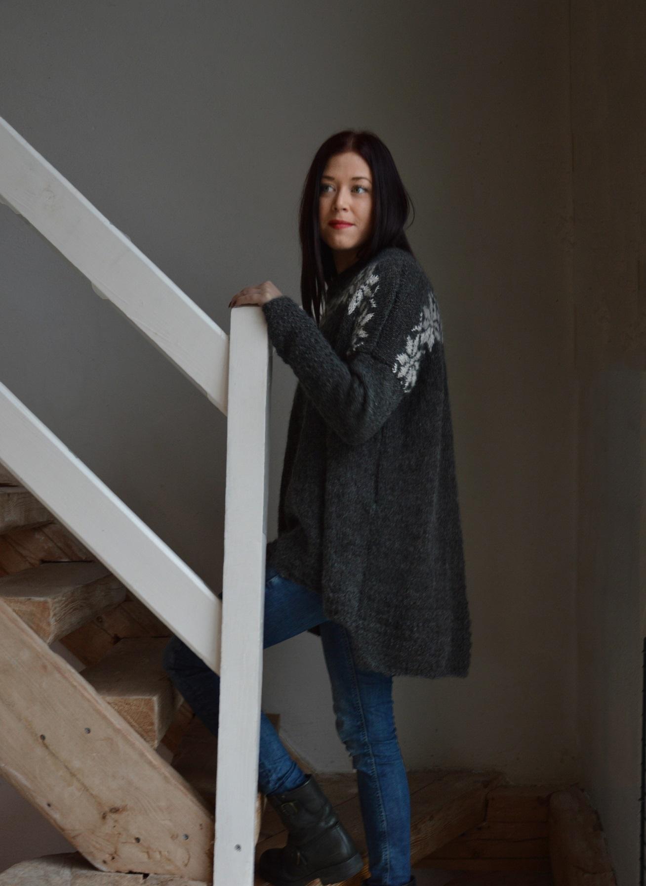 Stor härlig tröja i Gotlandsullalpacka garn