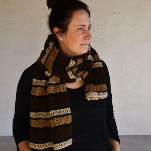 Randig halsduk i alpackagarn-stickkit