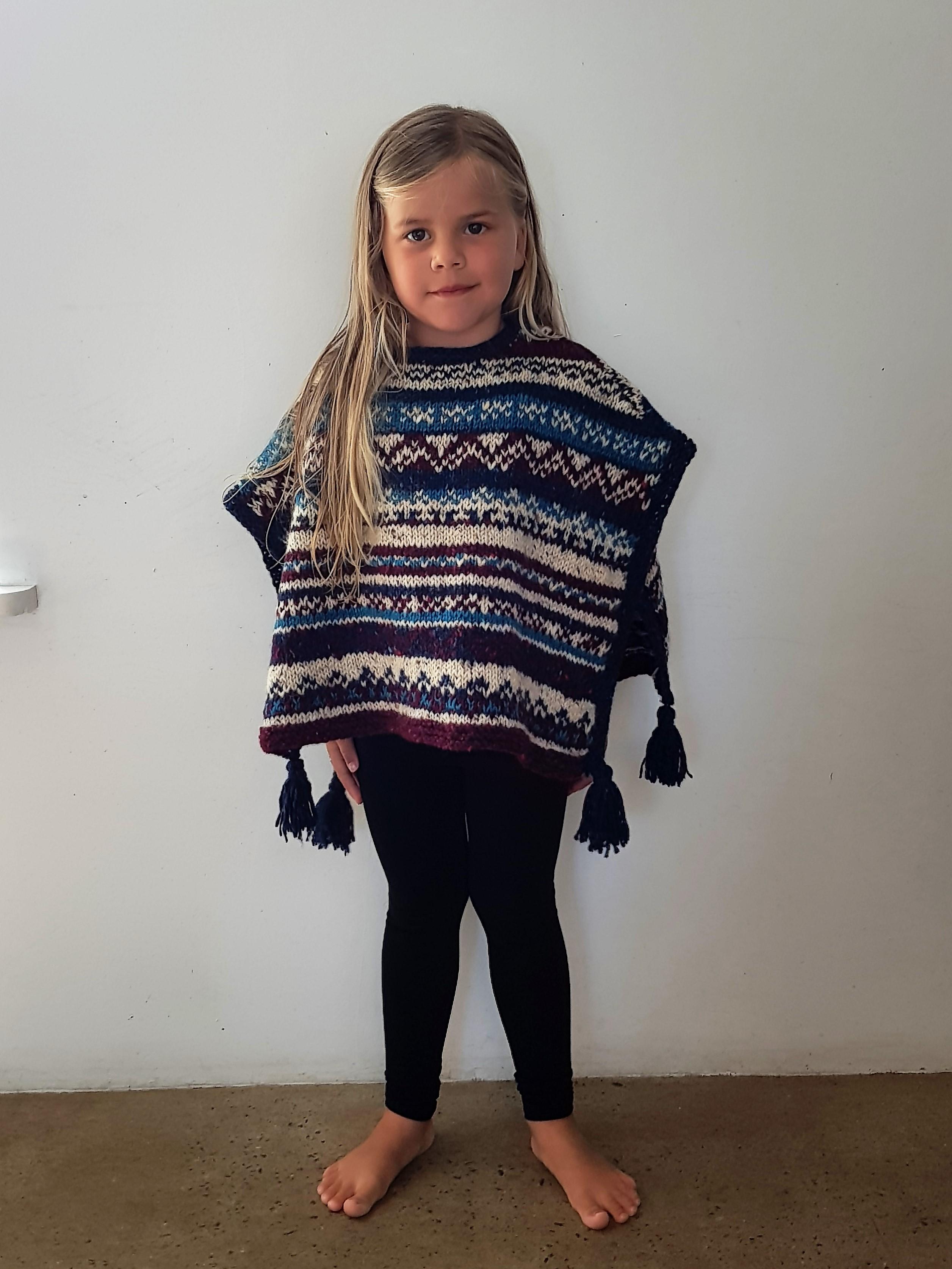 Barnponcho i kilcarra tweed