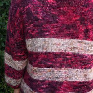 Betty nybörjartröja i Hedgehog fibres, stickkit
