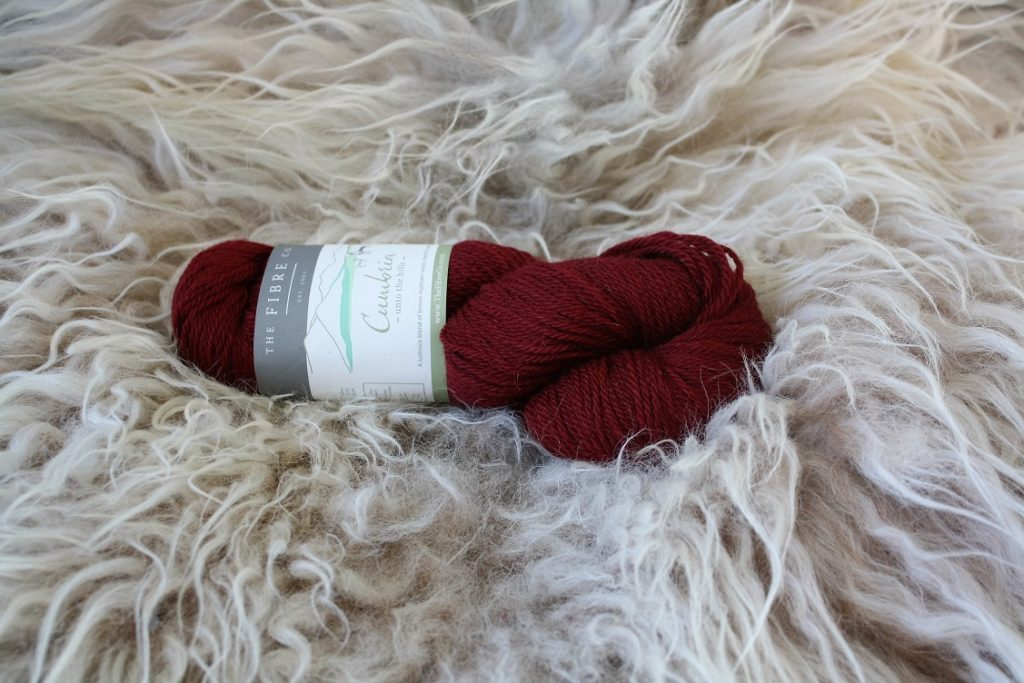 Cumbria ullgarn-worsted weight yarn