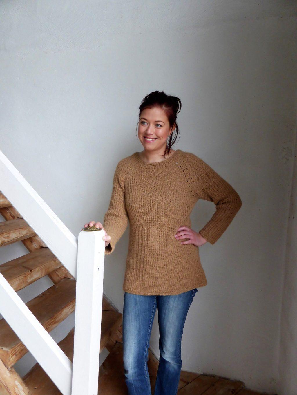 Awa basic tröja i fuskresår stickas i Knightsbridge, stickkit