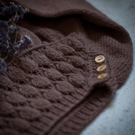 Vibe babyklänning i ekologisk bomull, stickkit